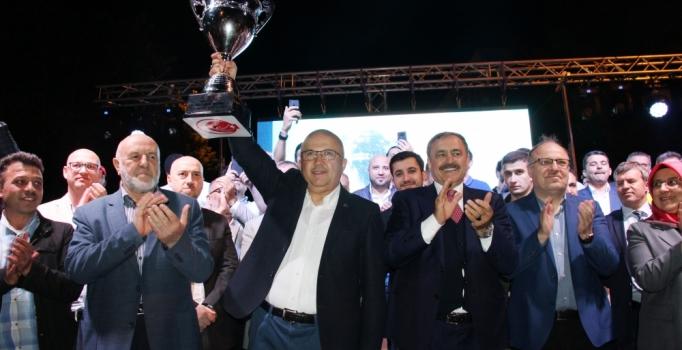 Süper Lig'e çıkan Afyon Belediyespor şampiyonluğu kutladı
