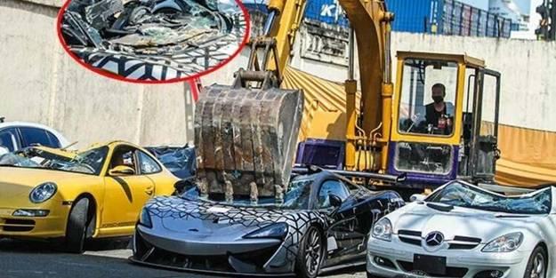 Süper lüks 21 otomobili un ufak ettiler