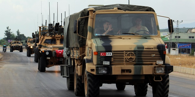 Suriye sınırına komando ve mühimmat takviyesi