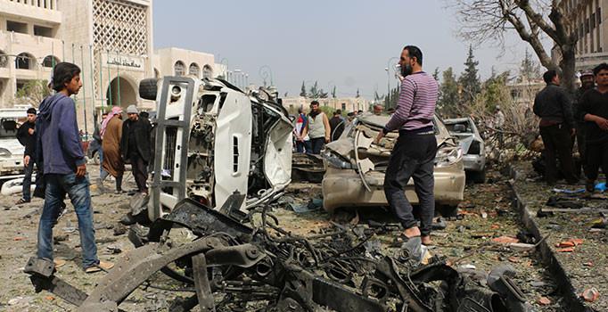 Suriye'de hastane yakınına bombalı araçla saldırı: 7 ölü, 25 yaralı