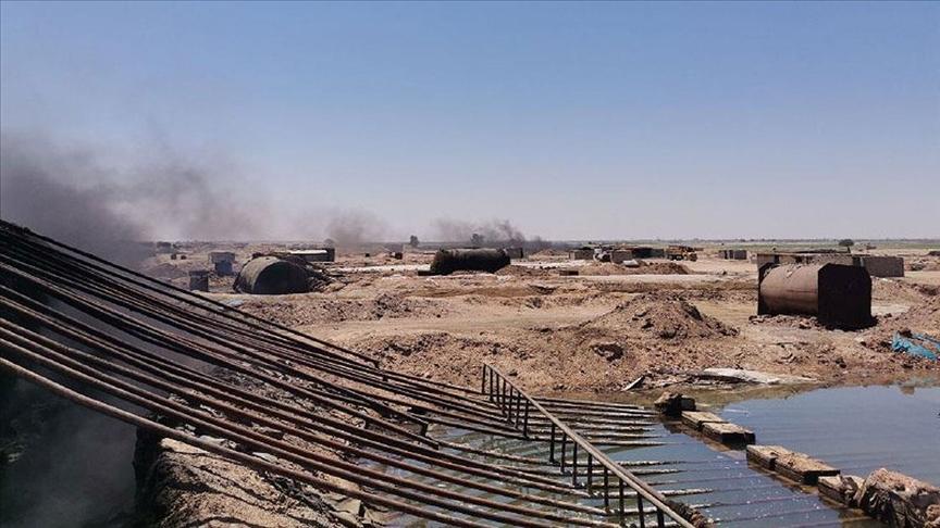 Suriye'de YPG/PKK işgalindeki bölgelerde ilkel yollarla işlenen petrol sivillerin sağlığını tehlikeye atıyor
