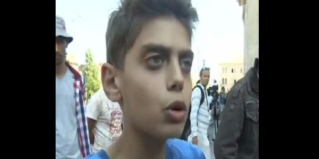 Suriyeli çocuktan Avrupa'ya büyük ders