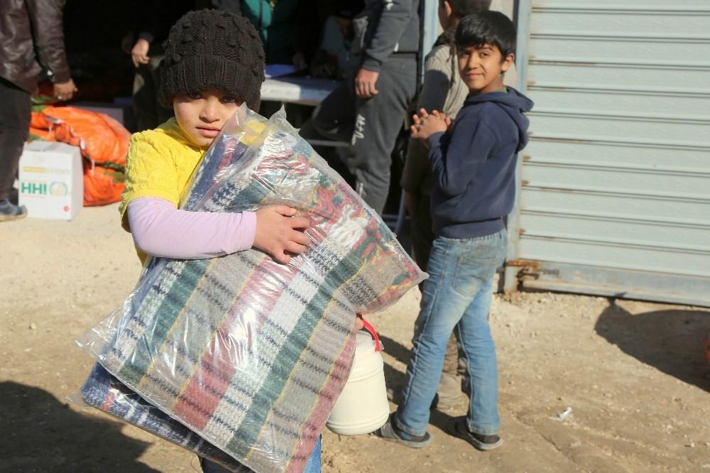 Suriyelilere kış yardımı