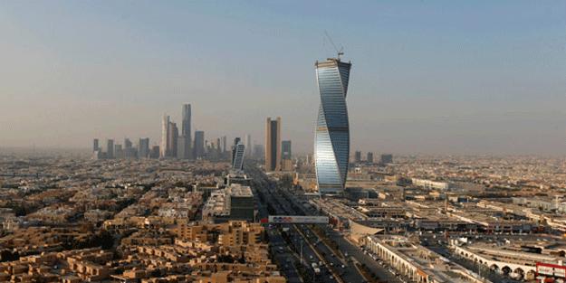Suudi Arabistan'da füze fırlatıldı! Dumanlar yükseliyor…