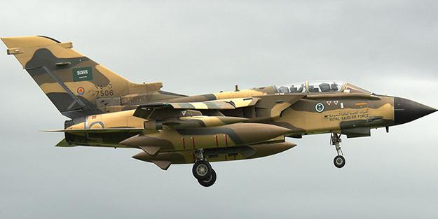 Suudi Arabistan'da savaş uçağı düştü!