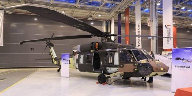 T-70 helikopterinin ilki hangardan çıktı