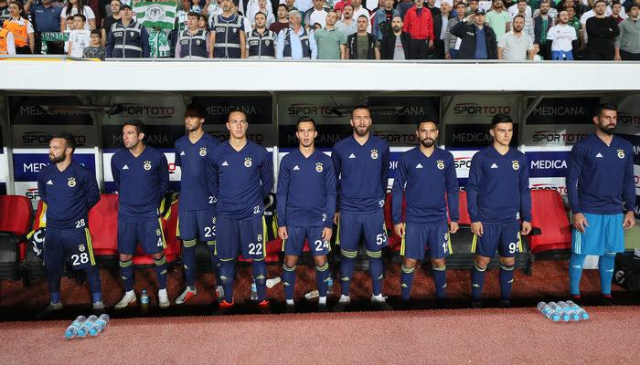 Takım puan kaybederken güldü! Yıldız oyuncudan Fenerbahçeli taraftarları kızdıran görüntü