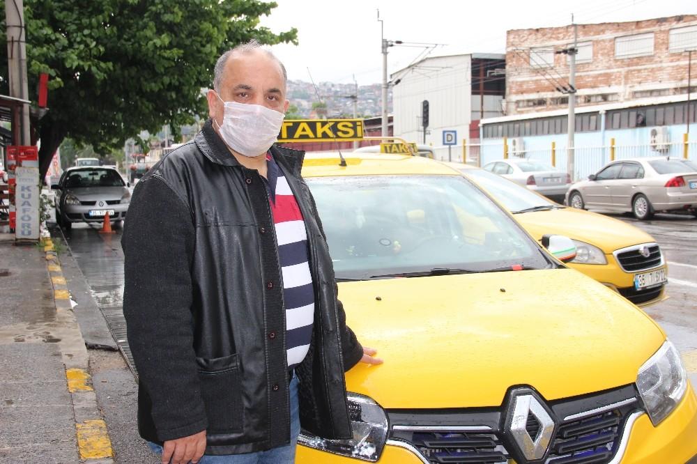Taksiciden örnek davranış: Aracında unutulan 60 bin lirayı sahibine teslim etti