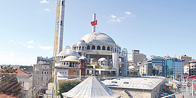 Taksim, camisine kavuşuyor