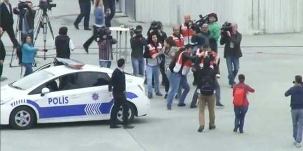 Taksim'de ilk kriz! Gözaltılar başladı