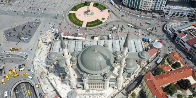 Taksim'de açılış heyecanı