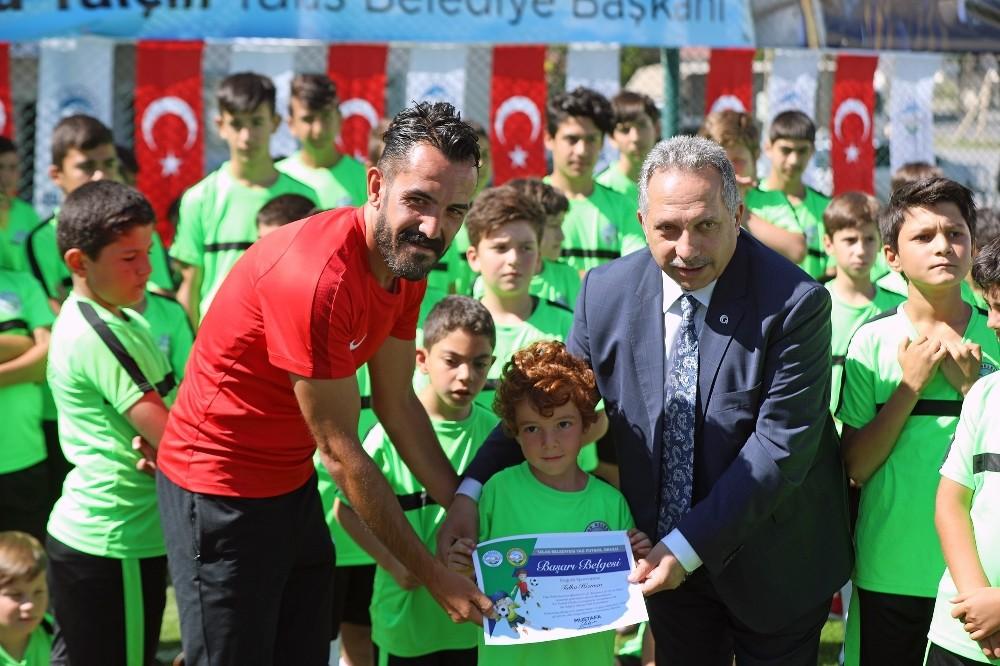 Talas'ta 220 kursiyer Yaz Futbol Okulu eğitimini tamamladı