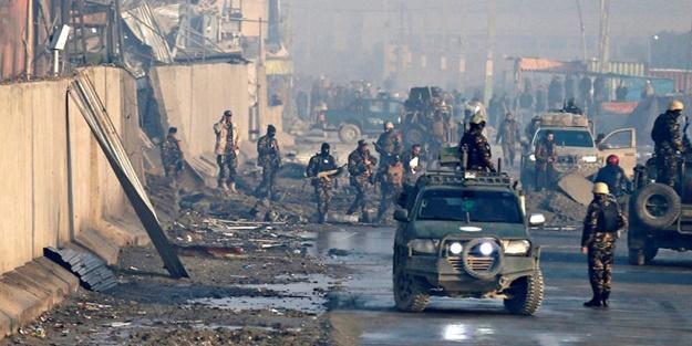 Taliban'dan polis karakoluna saldırı! Ölüler var