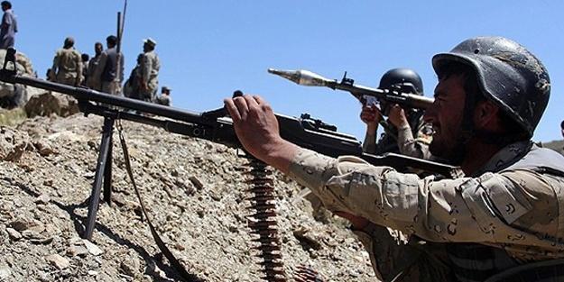 Afganistan'da bir ilçe ele geçirildi