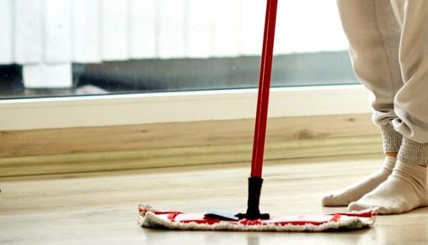Tamamen doğal ev yapımı zemin temizleyici nasıl hazırlanır?