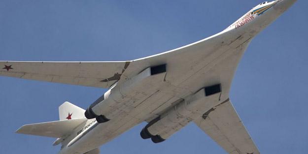 Tarihte ilk kez! Rus bombardıman uçağı Tu-160 Güney Afrika'ya gitti