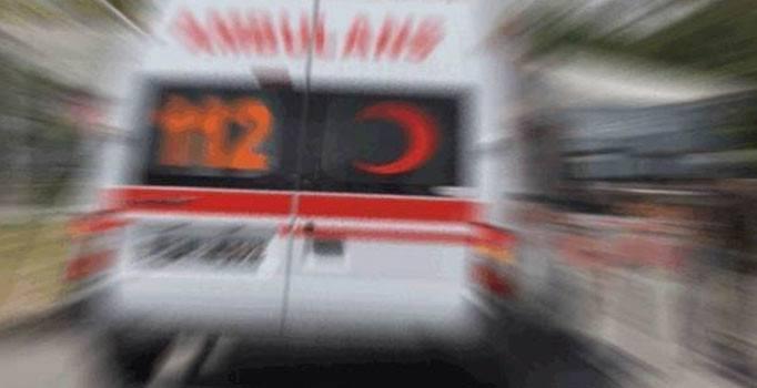 Tarım aracı bariyere çarptı: 9 yaralı