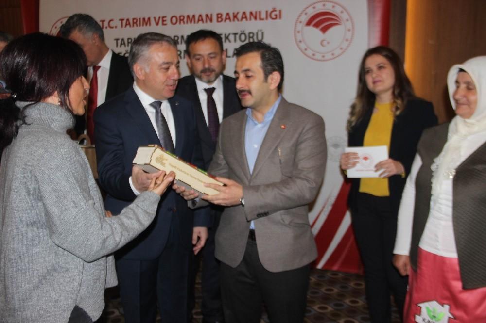 Tarım Bakan Yardımcısı Mustafa Aksu: Biz Bakanlığı, Bakanlıkta oturarak yönetmeyeceğiz
