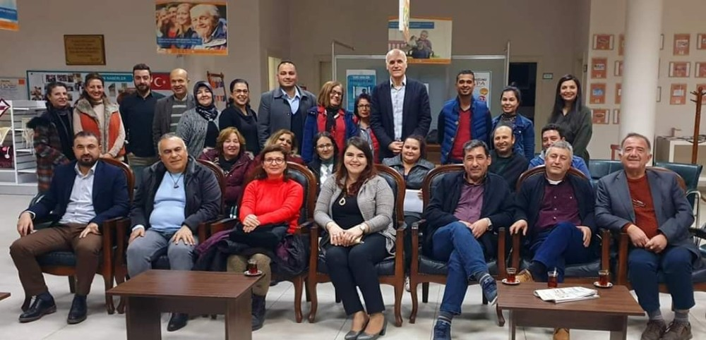 Tarsus'ta Mahalle Meclisi toplantısı