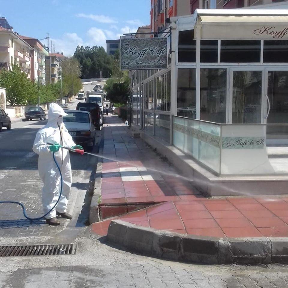 Taşköprü Belediyesi, dezenfekte çalışmalarını sürdürüyor