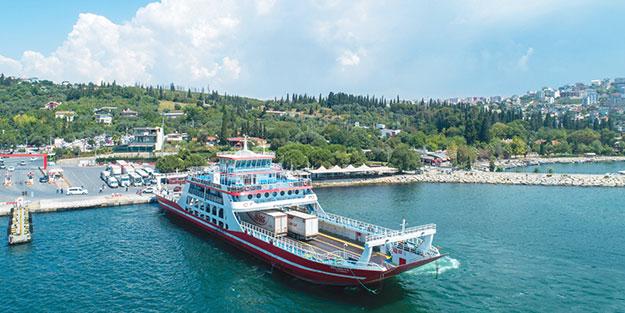 Tatilcileri bin 138 seferde feribotla taşıdı