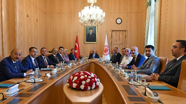 TBMM Başkanı Binali Yıldırım, Bursa heyetini kabul etti