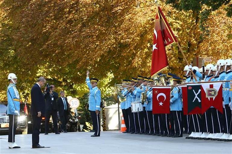 TBMM'de bir ilk! Cumhurbaşkanı Eroğan'ı bakın kim karşıladı