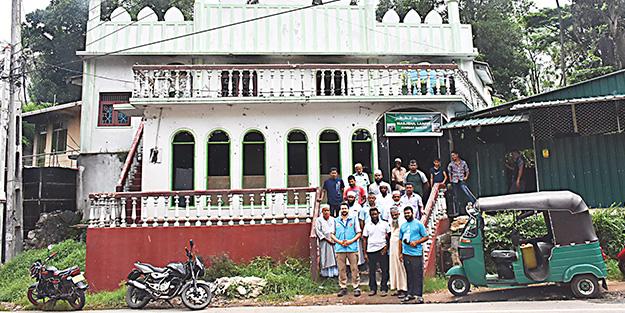 TDV yaraları sarmak için Sri Lanka'da