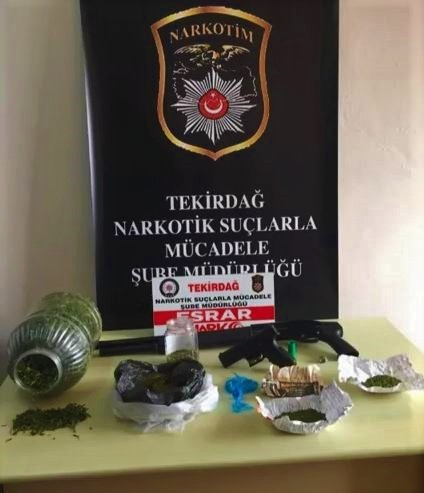 Tekirdağ'da öğrencilere uyuşturucu satan çeteye darbe: 10 tutuklu
