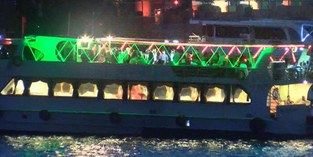 Tekne eğlencesine polis baskını