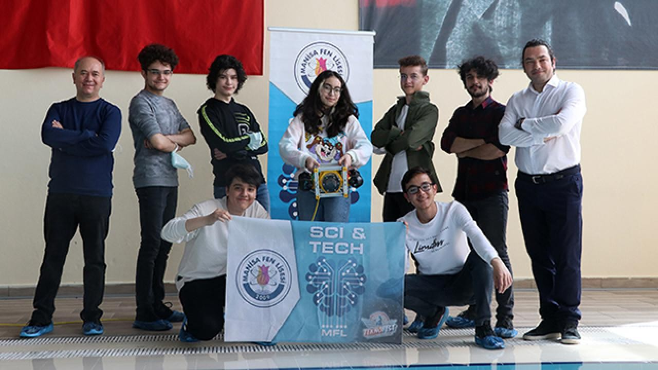 Teknofest için geliştirdiler! Liselilerden insansız su altı robotu