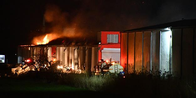 Tekstil fabrikasının deposunda yangın çıktı