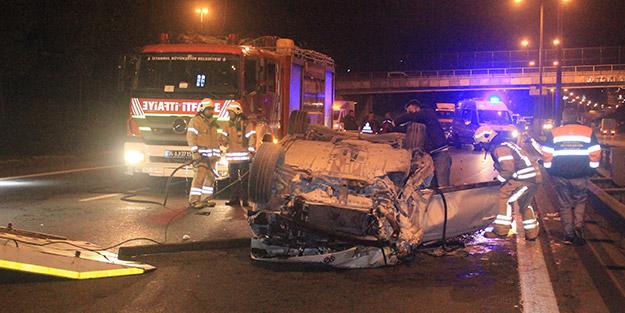 Sürücü aracın altında kaldı, yolcu araçtan fırladı