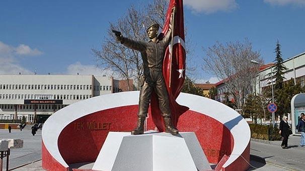 Tepkiler gelince Şehit Ömer Halisdemir'in heykeli kaldırıldı