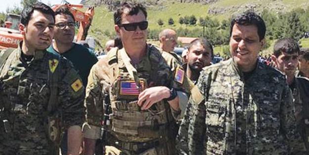"""Terör devleti ABD'den büyük skandal! Terör örgütü elebaşını """"general"""" yaptı"""