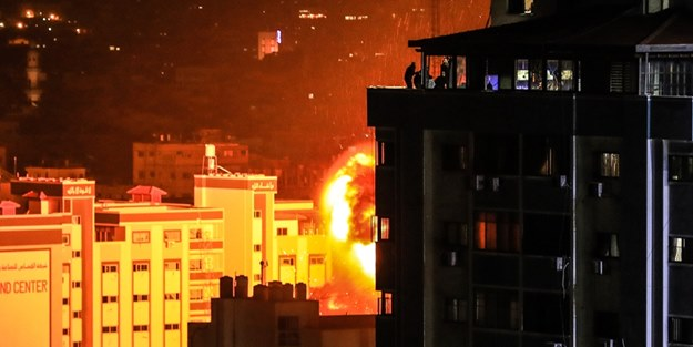TERÖR DEVLETİ İSRAİL, HENİYE'NİN OFİSİNİ DE BOMBALADI!