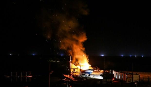 İsrail savaş uçakları yine Gazze'yi vurdu!