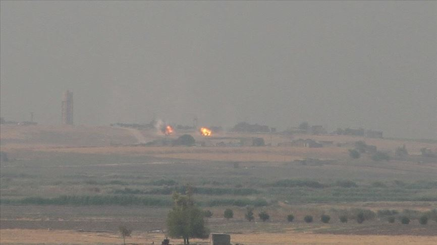 Terör örgütü DEAŞ, Humus'da Esed rejimi ve İran destekli gruplarla çatıştı