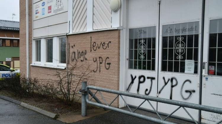 Terör örgütü yandaşları UETD'ye saldırdı!