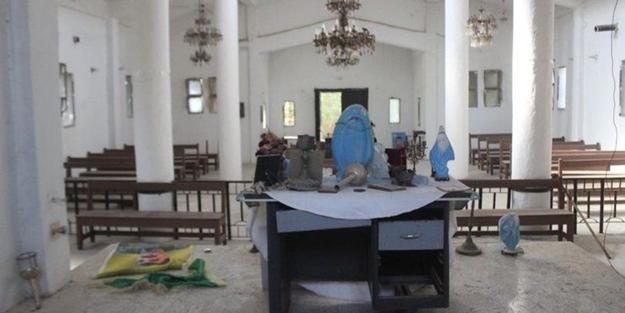 Ermeni kilisesinden Türk askerine saldırdılar!