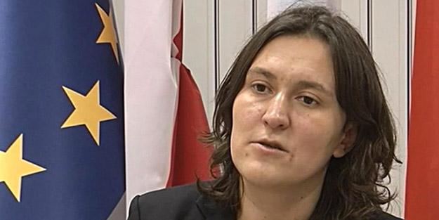Terör sevici Kati Piri görevden alındı