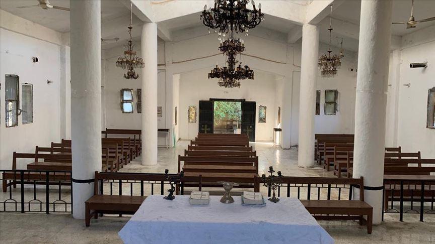 Teröristlerin zarar verdiği Tel Abyad'daki Ermeni Kilisesi onarılıyor