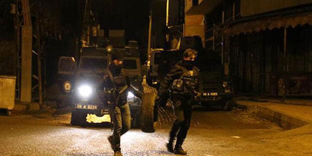 Teröristlerle çatışma! 4 özel harekat polisi yaralandı