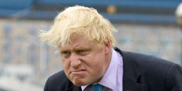 Tesettür düşmanı Boris'i kızı bile şutladı