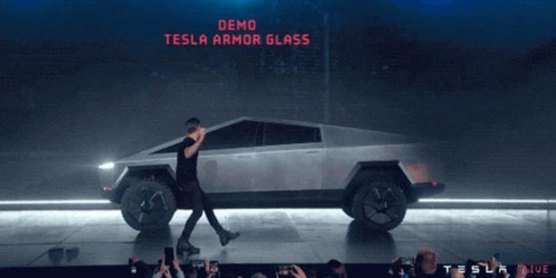 Tesla'nın sahibi fena rezil oldu!
