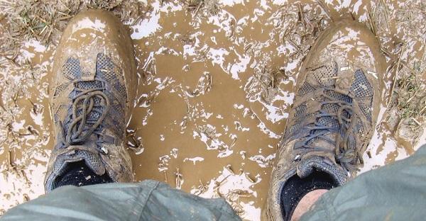 Çamurlu ayakkabılar nasıl temizlenir?