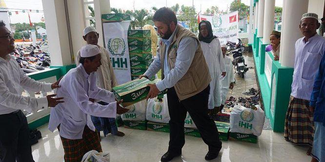 İHH'dan Vietnamlı müslümanlara ramazan yardımı
