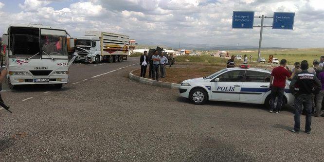 Batman'da zincirleme trafik kazası: 20 yaralı