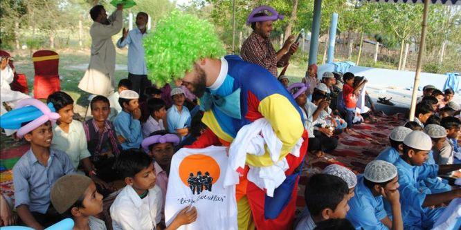 İHH ekibi, Nepalli yetimlerle piknikte buluştu