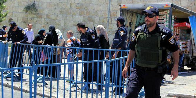 İsrail, iki Filistinli hasta kızkardeşi gözaltına aldı